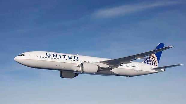 art-United-Airlines-Boeing-777-620x349